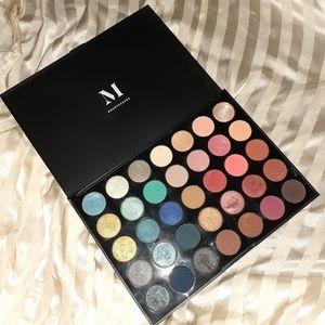 MORPHE eyeshadow palette, 35 colors